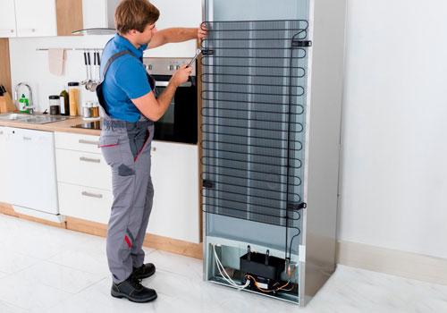 Faça a limpeza periódica da sua geladeira frost free sem causar danos